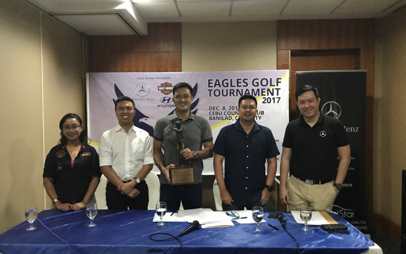 Present during the contract signing are: (L-R) Louise Ortiz (Harley-Davidson, Cebu), Franco Soberano (Cebu Landmasters), Erickson Ong (Batch '92 President), Mark Garcia (Batch '92 Golf Chairman), Kenneth Huan (Mercedes-Benz, Cebu)